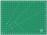 SELF HEALING CUTTING MAT, BY PRECISION QUILTING TOOLS